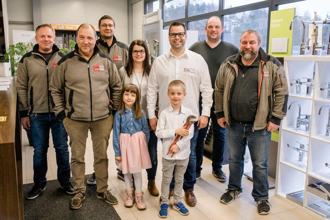 Mitarbeiter-und-Familie-Kahr und Kahr Installateur Nestelbach